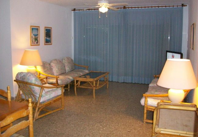 Apartamento en Grao de Gandia - LOS CARMENES 5ª-3º-5ª (ALQUILER SOLO A FAMILIAS)